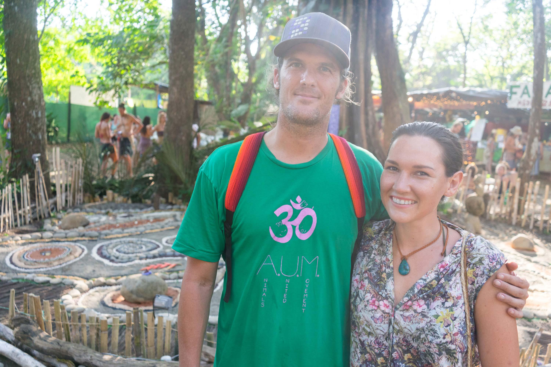 Ich und Kip Andersen auf dem Envision Festival in Costa Rica