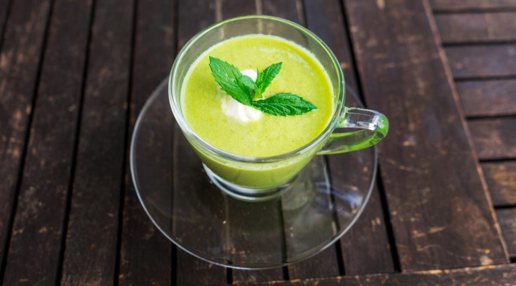 Minz-Erbsensuppe – Eine leichte Suppe für den Sommer